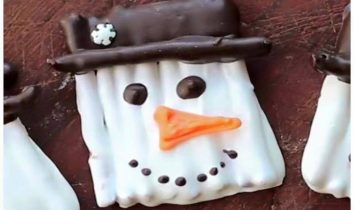 Snowman White Chocolate Pretzels